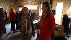 Vernissage, Marie-Thérèse Gräfin Hoensbroech im Gespräch