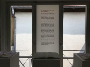 Fensterseite: Foliengalerie, Text