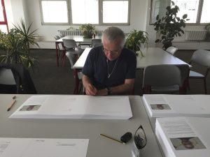 signieren in der Druckerei Scheuffeln in Stuttgart