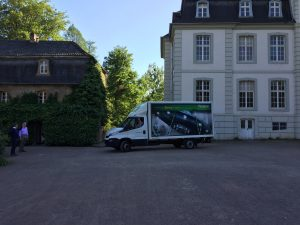 Bildtransport nach Schloss Türnich